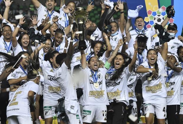 Deportivo Cali, campeón de la Liga Femenina. / Foto: VizzorImage - Gabriel Aponte