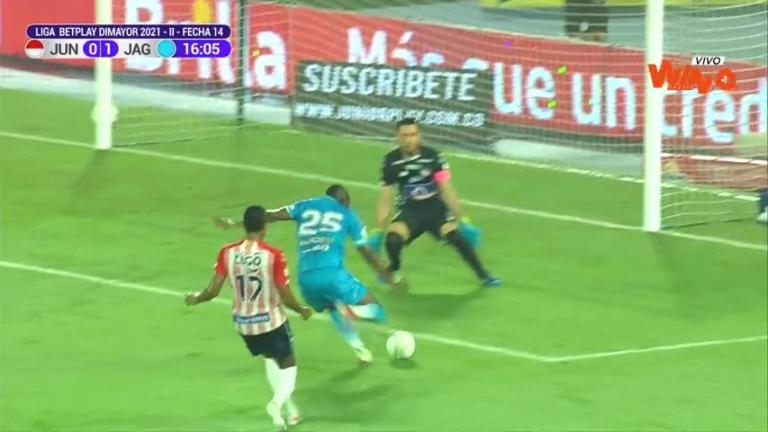 Sebastián Viera ahogó el grito de gol de Jaguares.